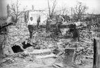 Zniszczony Bełżec po radzieckim bombardowaniu